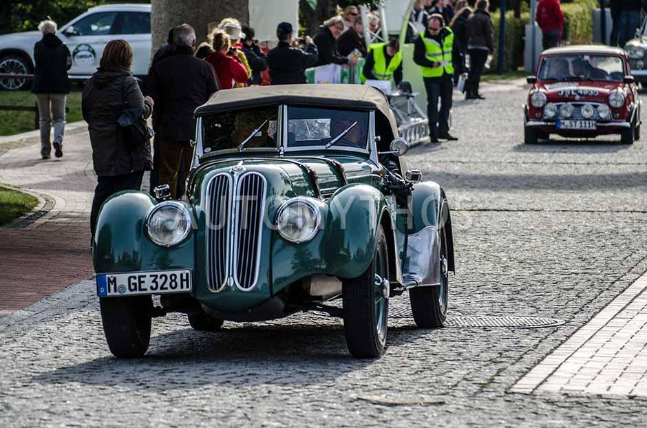 Automythos | 5. Hamburg Berlin Klassik 2012 | 19 | Ulrich Knieps & Bruno Spengler & Katarina Witt | BMW 328 Roadster