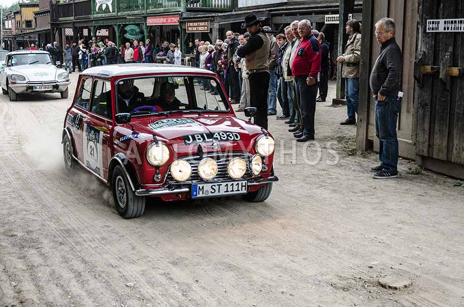 Automythos | 5. Hamburg Berlin Klassik 2012 | 21 | Philipp Rathgen & Nicola Wittenbecher | Morris Mini Cooper S