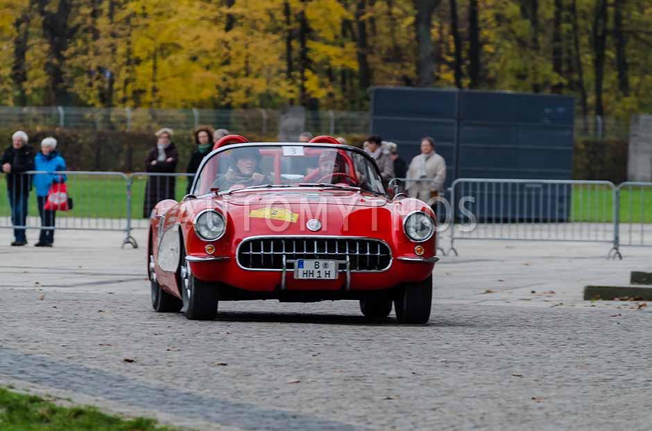 Automythos | 1. Herbstfahrt Berlin 2012 | 3 | Heidi Hetzer & Manuela Schulz | Chevrolet Corvette C1