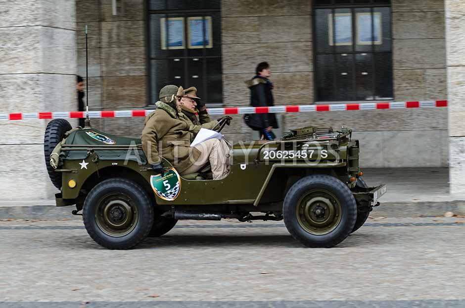 Automythos | 1. Herbstfahrt Berlin 2012 | 5 | Heinz Dreps & Ciamak Djamchidi | Willys-Overland Willys-Jeep
