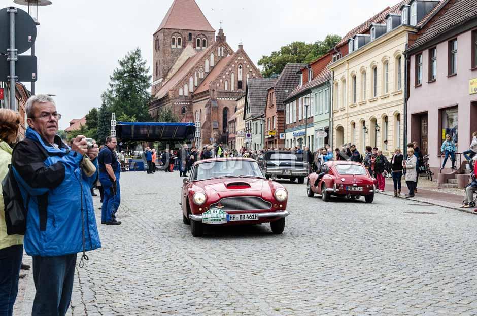Automythos | 6. Hamburg Berlin Klassik Rallye 2013 | 51 | Dierk Berlinghoff & Claudia Berlinghoff | Aston Martin DB4