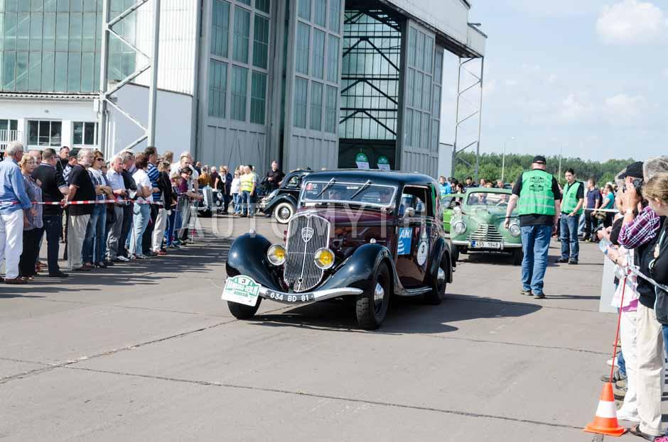 Automythos | 7. Hamburg Berlin Klassik 2014 | 3 | Thierry Leduc & Boris Pieritz | Peugeot 401 D Meulemeester