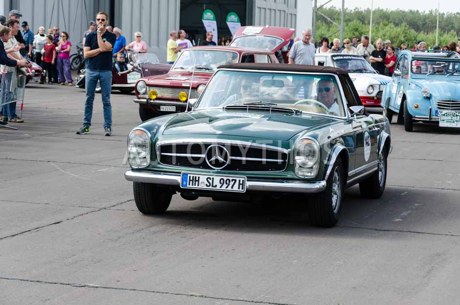 Automythos | 7. Hamburg Berlin Klassik 2014 | 142 | Gerhard Stengel & Cornilia Jilani | Mercedes-Benz W113 280 SL Pagode