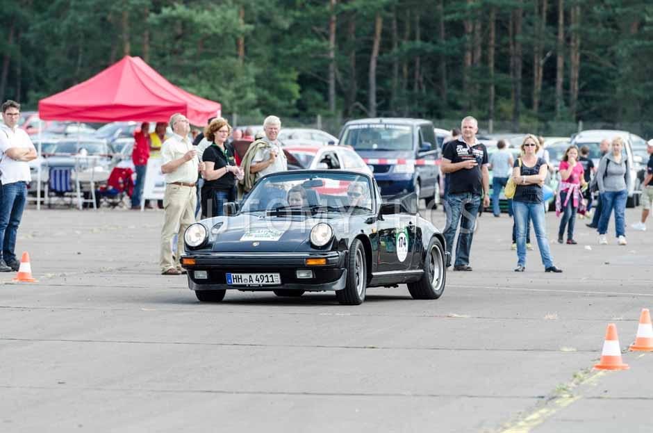 Automythos   7. Hamburg Berlin Klassik 2014   174   Tomas Hirschberger & Urte Hirschberger   Porsche 911 Carrera 3.2 Cabriolet