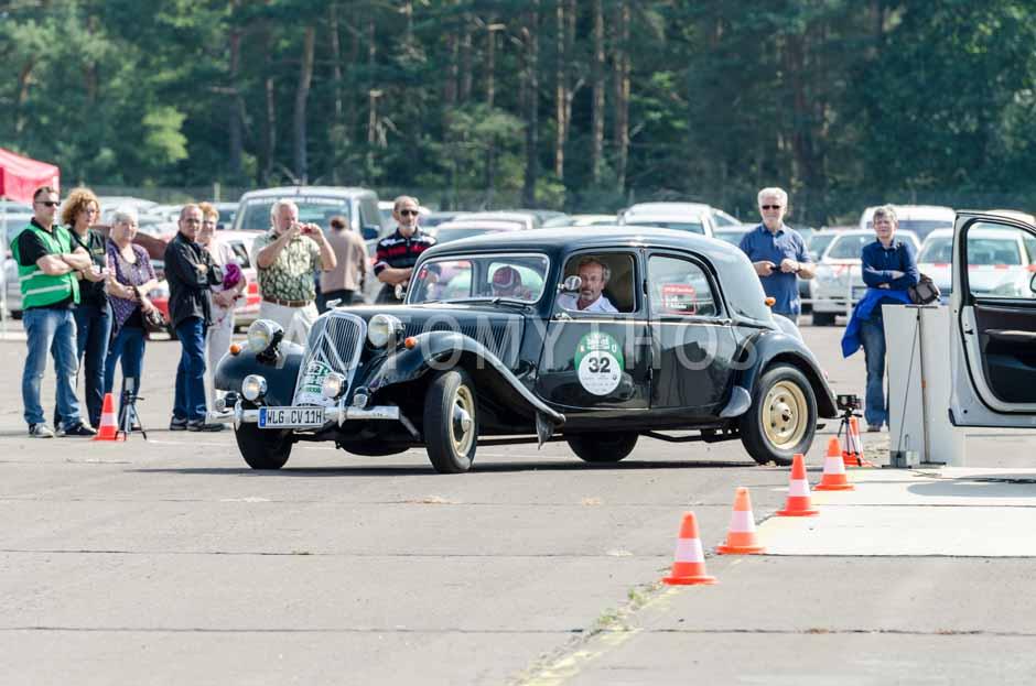 Automythos | 7. Hamburg Berlin Klassik 2014 | 32 | Detlev Löll & Fred Rohleder | Citroën Traction Avant 11 CV