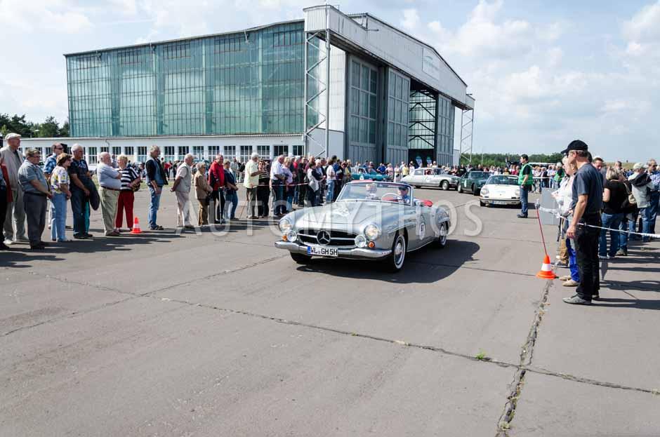 Automythos | 7. Hamburg Berlin Klassik 2014 | 67 | Herbert Meyer & Gesa Meyer-Meyenburg | Mercedes-Benz W121 BII 190 SL