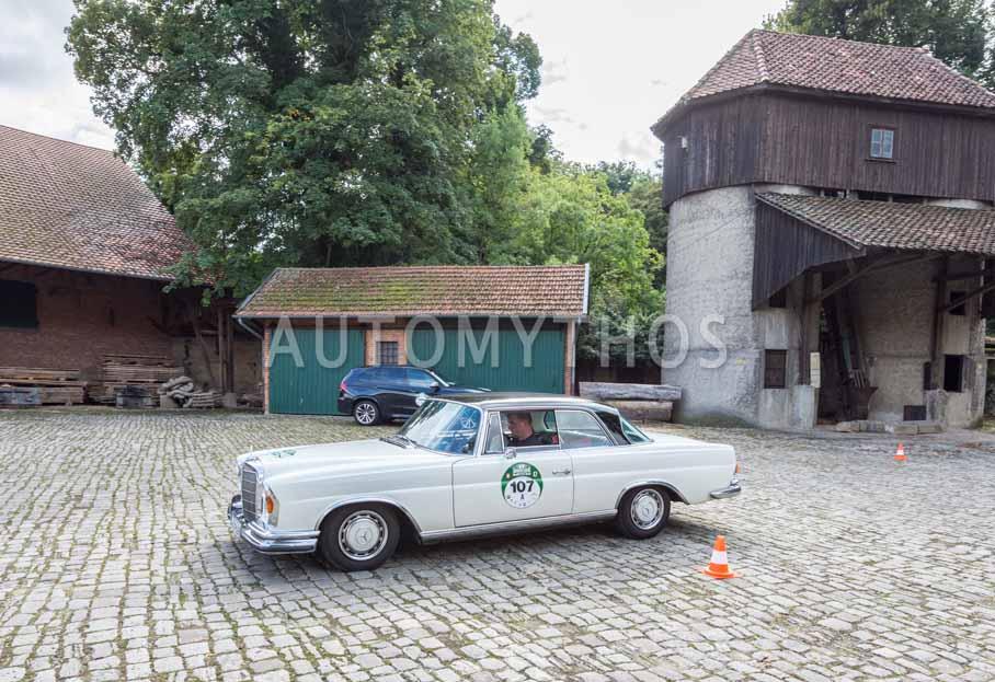 Automythos | 8. Hamburg Berlin Klassik 2015 | 107 | Dr. Bernd Hegemann & Assane Diop | Mercedes-Benz W108 250 SE Coupé