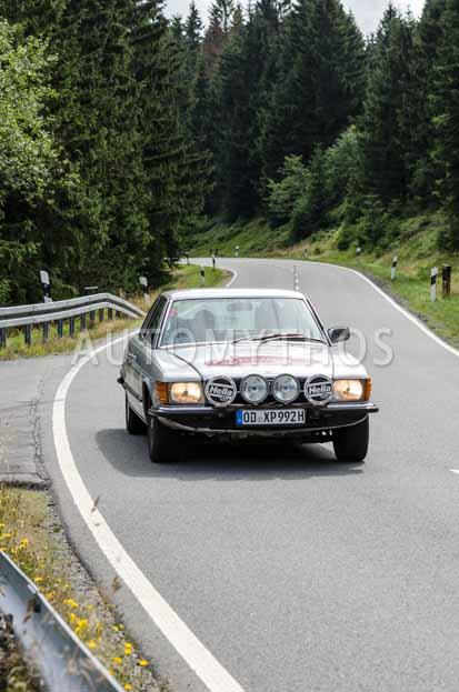 Automythos | 8. Hamburg Berlin Klassik 2015 | 113 | Reto Hosig & Bernd Freiling | Mercedes-Benz C107 350 SLC