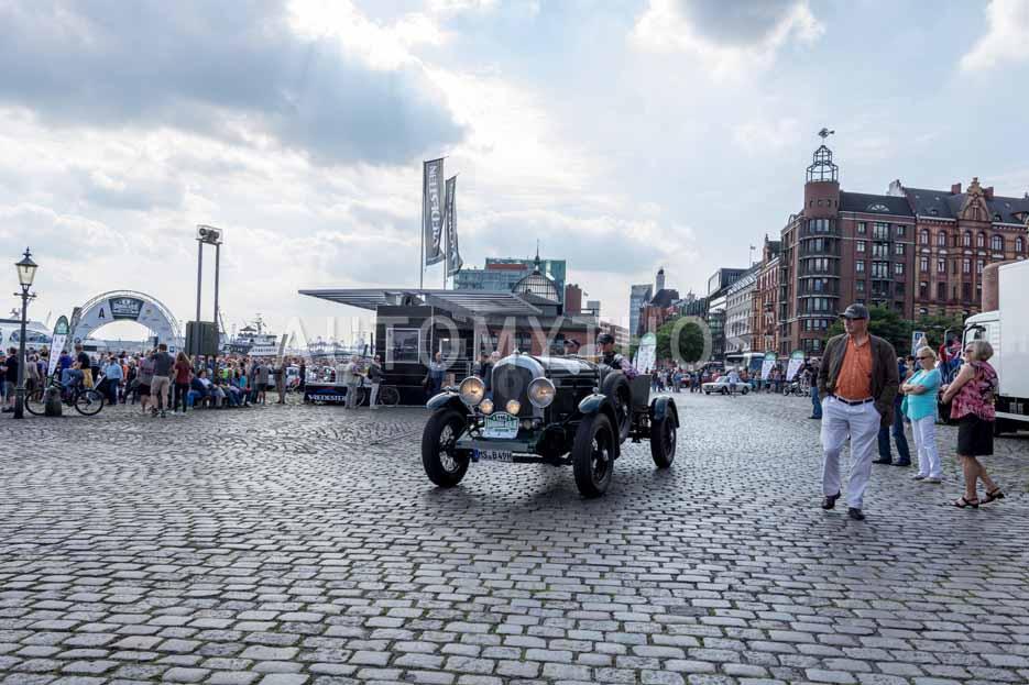 Automythos | 8. Hamburg Berlin Klassik 2015 | 116 | Dr. Ludger Hellenthal & Gert Maria Freimuth | Bentley Open Tourer