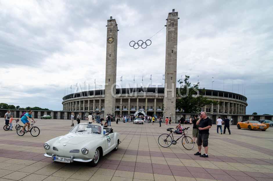 Automythos | 8. Hamburg Berlin Klassik 2015 | 124 | Joachim Zeunges & Jochen Barthelmäß | Volkswagen Karmann-Ghia