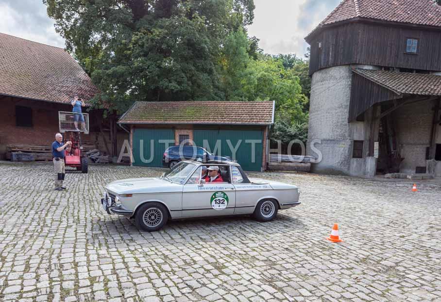 Automythos | 8. Hamburg Berlin Klassik 2015 | 132 | Stefan Wagner & Siegbert Wagner | BMW 2002 Baur Cabriolet