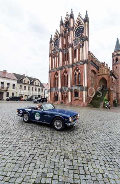Automythos | 8. Hamburg Berlin Klassik 2015 | 137 | Karl-Heinz Ehrhardt & Cornelia Jörke | Triumph TR6