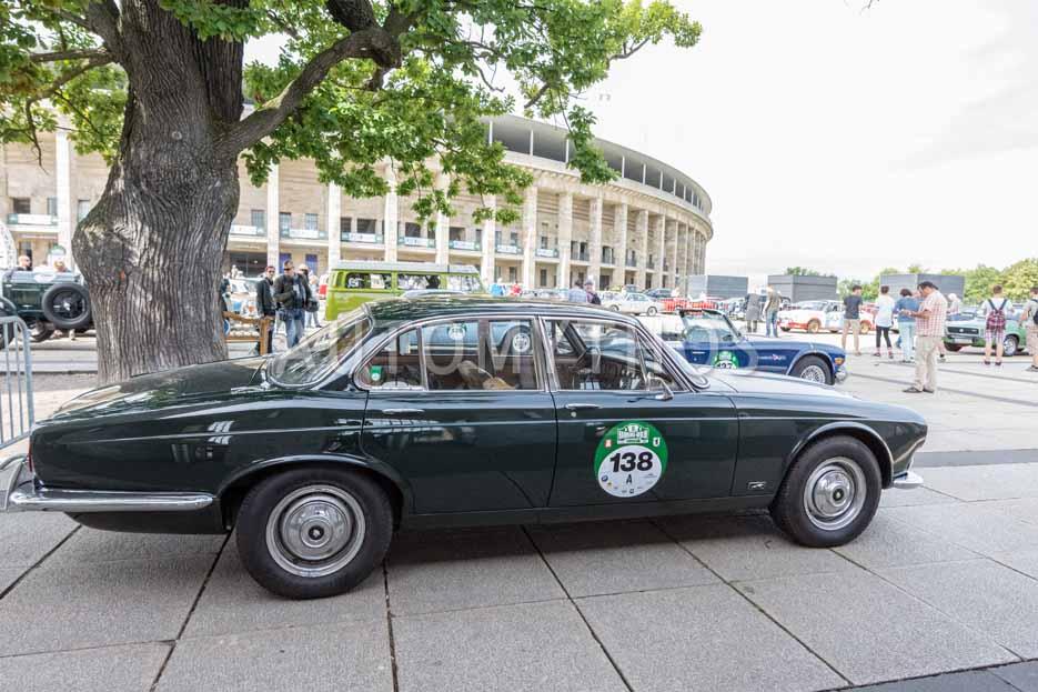 Automythos | 8. Hamburg Berlin Klassik 2015 | 138 | Martin Firnhaber & Frauke Wandrey | Jaguar XJ6 Series 1