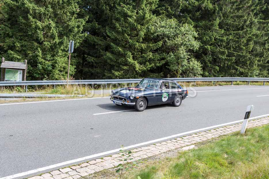 Automythos   8. Hamburg Berlin Klassik 2015   148   Ruben Hoeft & Marei Schmidt   MGB GT