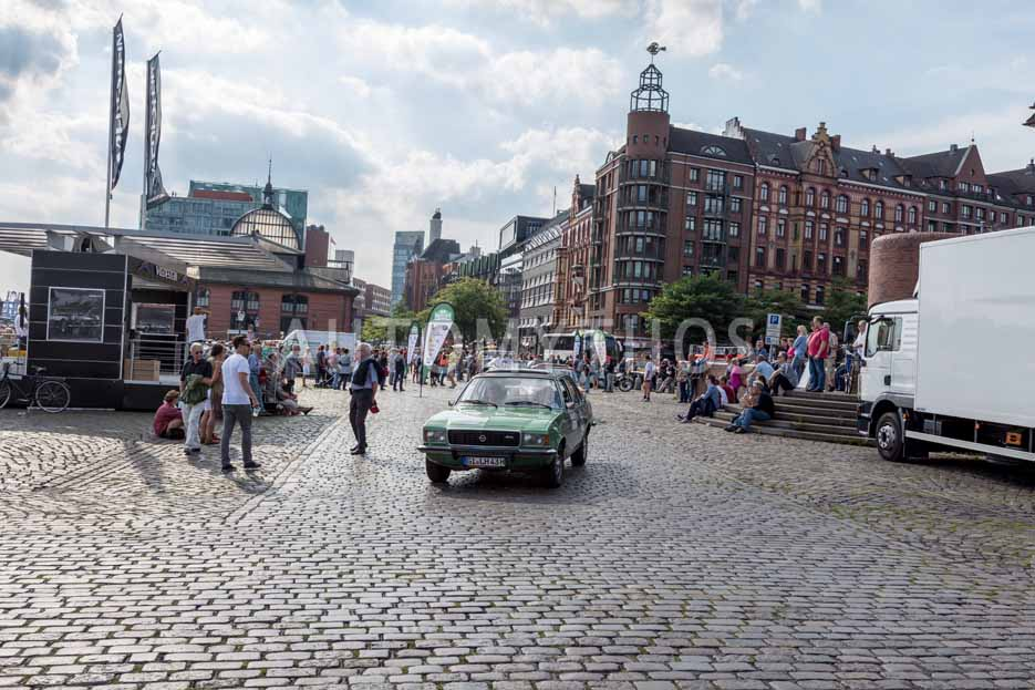 Automythos | 8. Hamburg Berlin Klassik 2015 | 158 | Reinhard Schade & Tina Gorschlüter | Opel Commodore B