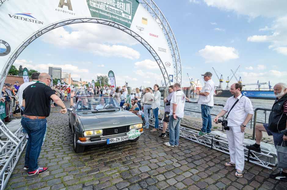 Automythos   8. Hamburg Berlin Klassik 2015   161   Klaus Täubrich & Kornelius Fürst   Peugeot 504 Cabriolet