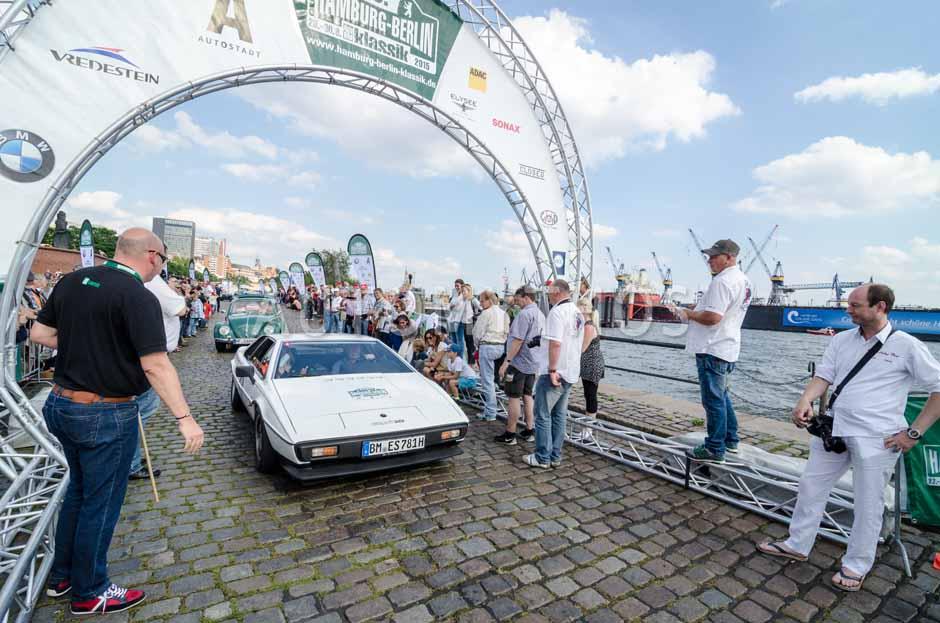 Automythos | 8. Hamburg Berlin Klassik 2015 | 163 | Thomas Bormann & Jolanta Steins | Lotus Esprit S 2.2