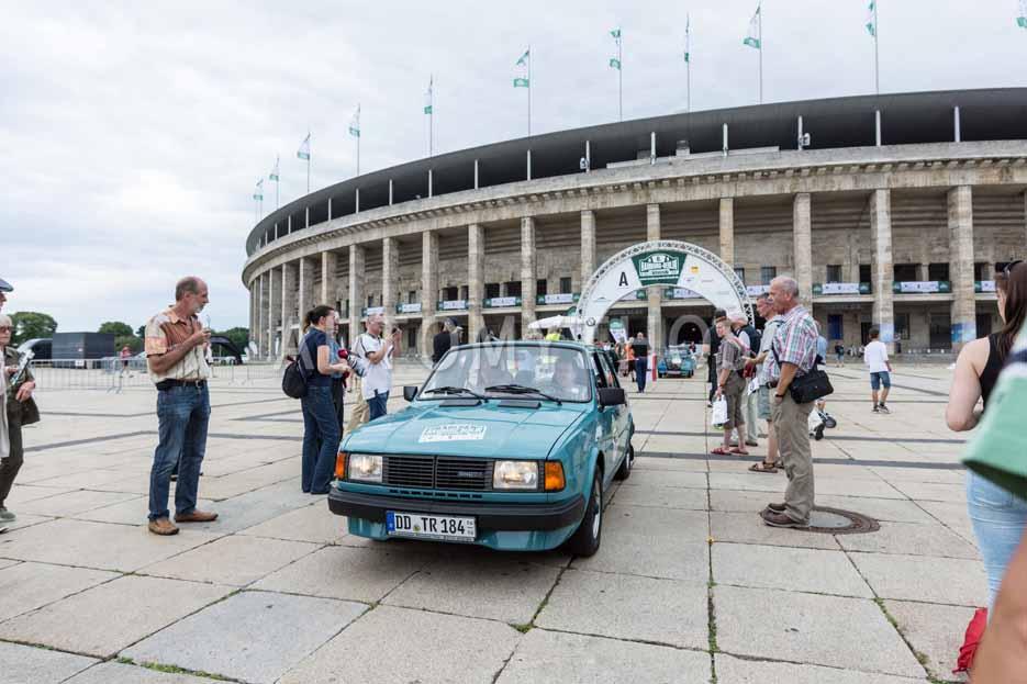 Automythos | 8. Hamburg Berlin Klassik 2015 | 165 | Torsten Röhr & Hans-Jürgen Dankenbring | Skoda 120 LS