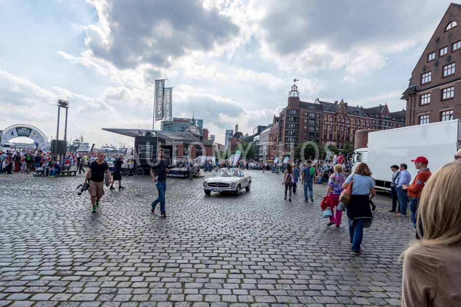 Automythos | 8. Hamburg Berlin Klassik 2015 | 168 | Frank Neumann & Holger Ahlefelder | Mercedes-Benz W113 230 SL Pagode