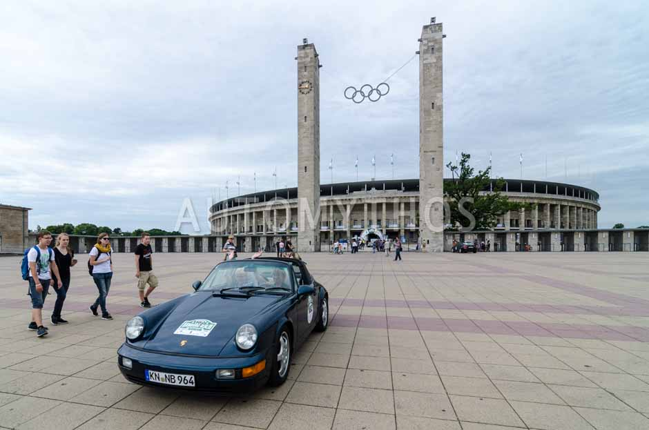 Automythos | 8. Hamburg Berlin Klassik 2015 | 182 | Birgit Greiner & Christine Texter | Porsche 911 Carrera 2