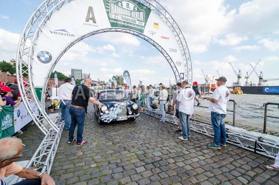 Automythos | 8. Hamburg Berlin Klassik 2015 | 43 | Günter Hansen & Claudia Marquard | Mercedes-Benz 220a