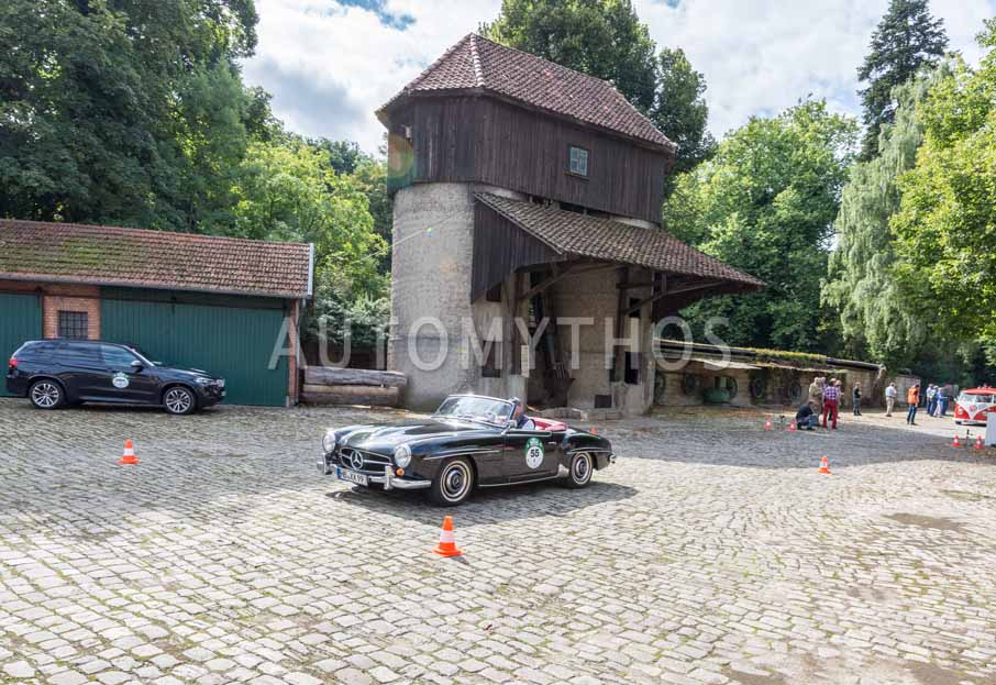 Automythos   8. Hamburg Berlin Klassik 2015   55   Dr. Georg Garrels & Sven Garrels   Mercedes-Benz W 121 B II 190 SL