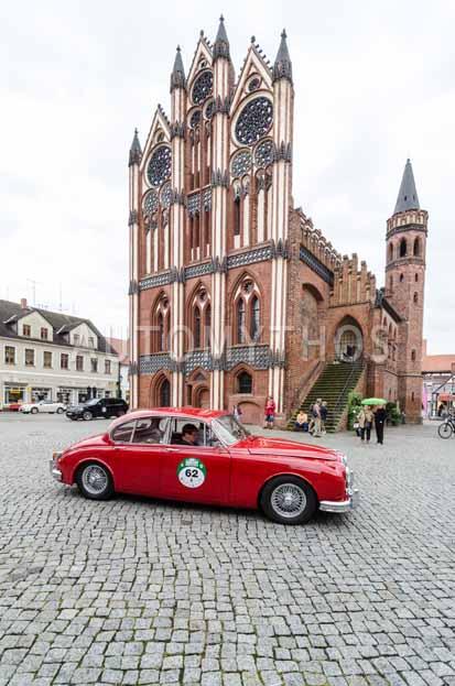 Automythos   8. Hamburg Berlin Klassik 2015   62   John Larsen & Marianne Larsen   Jaguar MK 2