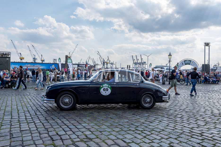 Automythos   8. Hamburg Berlin Klassik 2015   69   Boike Rabe & Trina Heinrich   Jaguar MK 2 3.8 Litre
