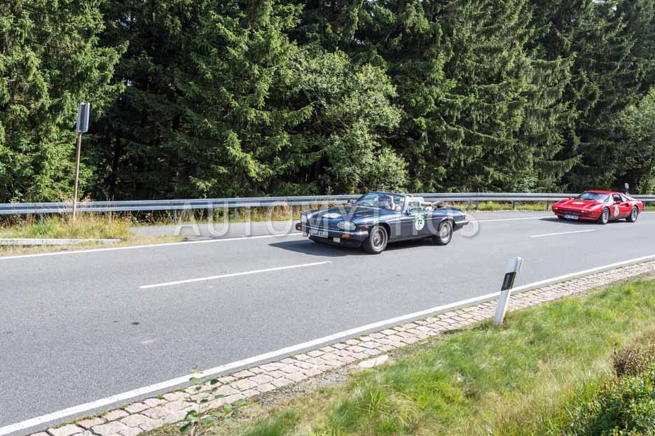 Automythos | 8. Hamburg Berlin Klassik 2015 | 72 | Stephan Luca & Sonya Kraus | Jaguar XJS Cabriolet