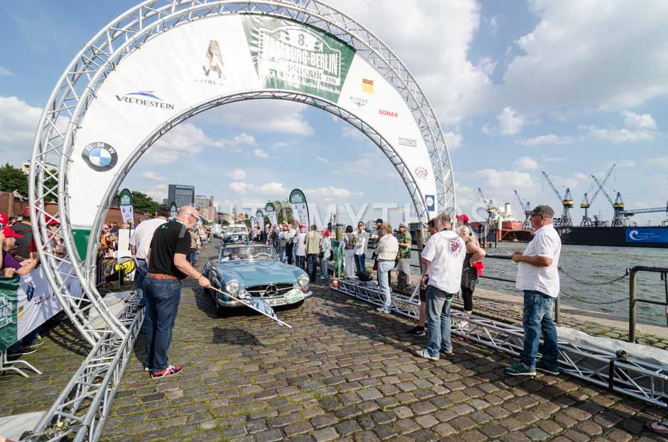 Automythos   8. Hamburg Berlin Klassik 2015   74   Michael Wegener & Jens Pflugmacher   Mercedes-Benz W 121 B II 190 SL