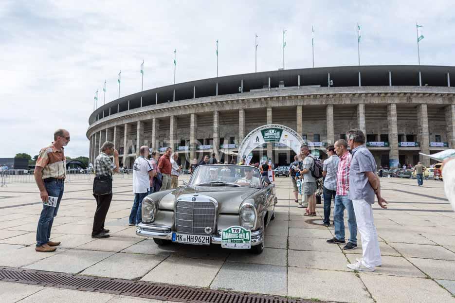 Automythos   8. Hamburg Berlin Klassik 2015   76   Hartwig Hiestermann & Claudia Hiestermann   Mercedes-Benz W111 220 SEb/C
