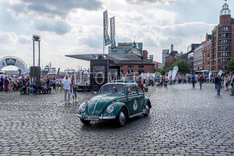Automythos | 8. Hamburg Berlin Klassik 2015 | 78 | Hartmut Schöbel & Iris Schöbel | Volkswagen 1200