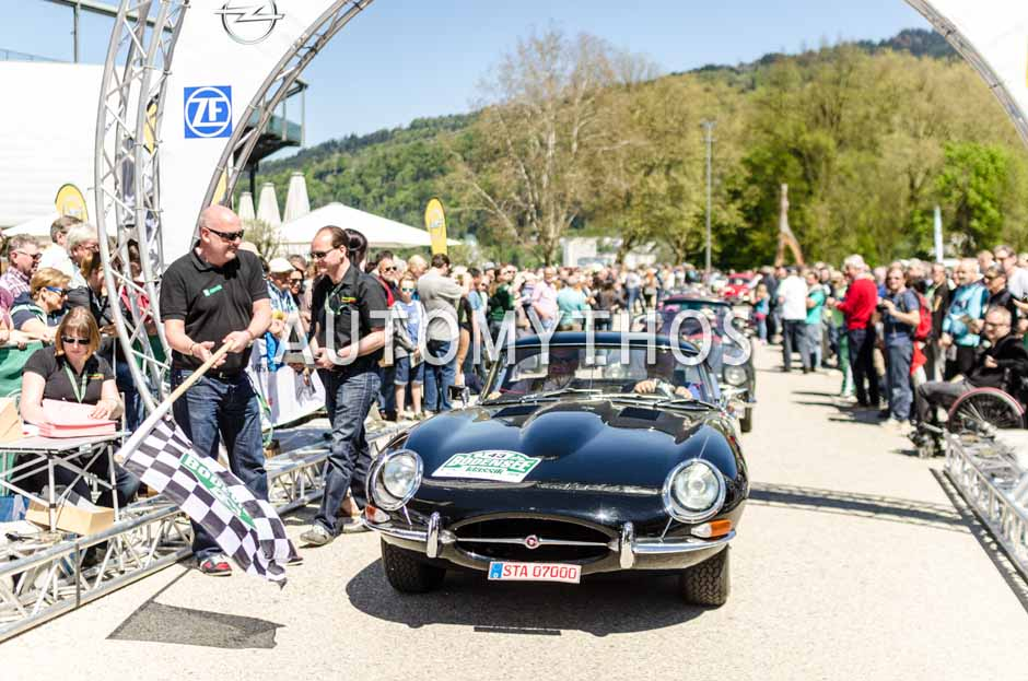Automythos   5. Bodensee Klassik 2016   43   Peter H. Sauer & Jeannette Gockel   Jaguar E-Type