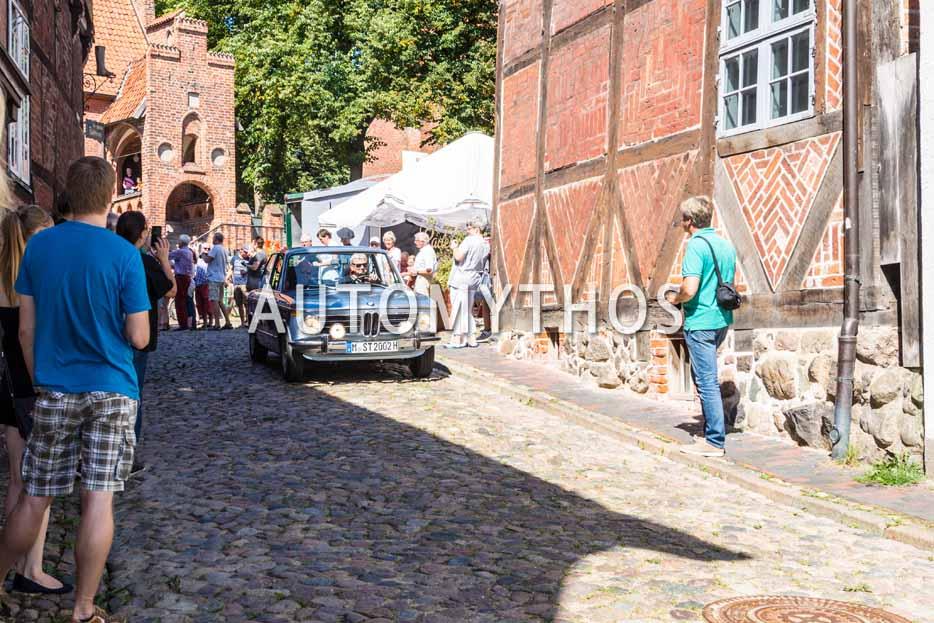 Automythos | 9. Hamburg Berlin Klassik 2016 | 20 | Wolfgang Berghofer & Christian Mathes | BMW 2002 tii