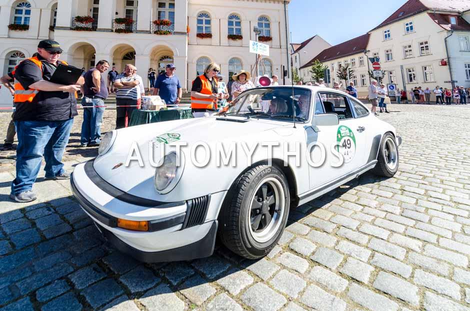 Automythos | 9. Hamburg Berlin Klassik 2016 | 49 | Karsten Höhns & Sylvia Höhns-Ahlers | Facel Vega FV3B & Porsche 911