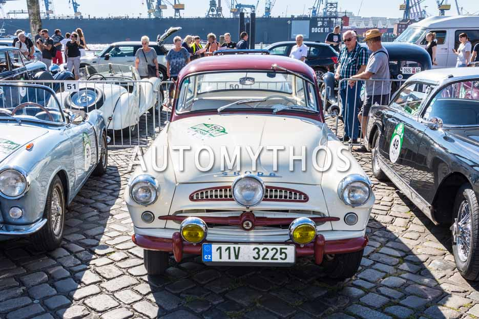 Automythos   9. Hamburg Berlin Klassik 2016   50   Vitezslav Kodym & Wang Yin   Skoda Spartak 440