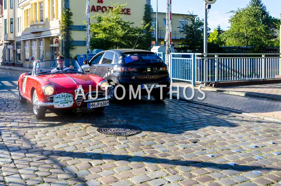 Automythos   9. Hamburg Berlin Klassik 2016   58   Michael Pitsch & Malte Klarzcyk   Alfa Romeo Giulietta Spider