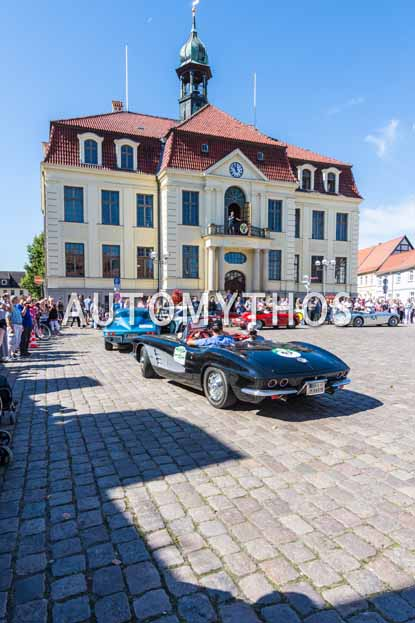Automythos | 9. Hamburg Berlin Klassik 2016 | 65 | Olaf Meyers & Susanne Meyers | Chevrolet Corvette C1