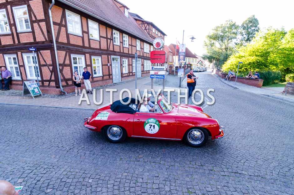 Automythos   9. Hamburg Berlin Klassik 2016   71   Hajo Riesenbeck & Dr. Melanie Riesenbeck   Porsche 356 B Super 90 Cabriolet