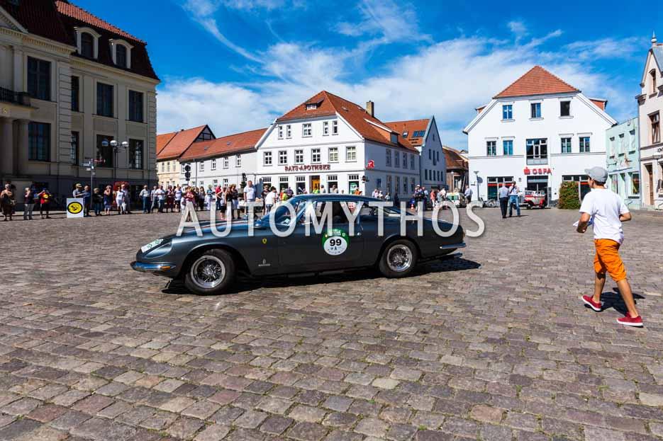Automythos | 9. Hamburg Berlin Klassik 2016 | 99 | Frank F. Beelitz & Victoria Zimmermann von Siefart | Ferrari 365 GT 2+2