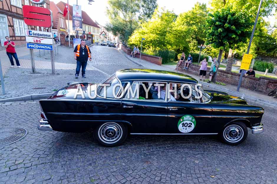 Automythos | 9. Hamburg Berlin Klassik 2016 | 102 | Teresio Bruni & Teddy Schaller | Mercedes-Benz 220 SE