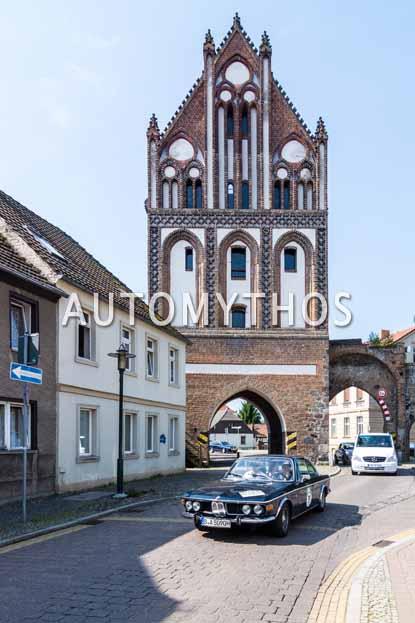 Automythos | 9. Hamburg Berlin Klassik 2016 | 111 | Danja Mai & Christian Mai | BMW 2800 CS