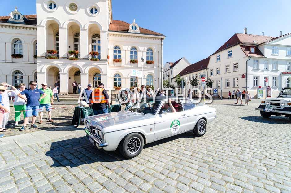 Automythos | 9. Hamburg Berlin Klassik 2016 | 125 | Ole Grünberg & Freifrau Alexandra von Rohr | Ford Taunus Coupé GXL