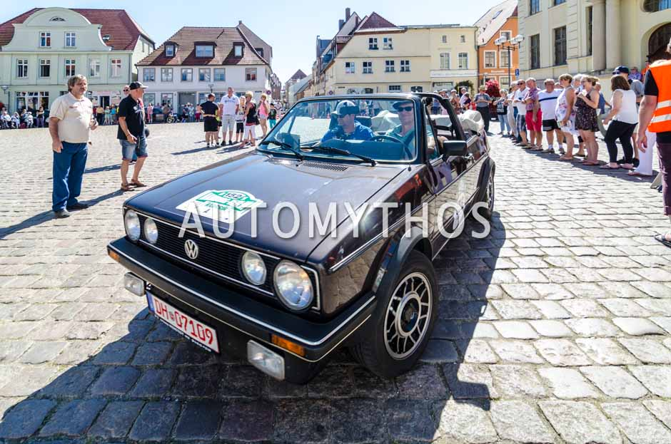 Automythos | 9. Hamburg Berlin Klassik 2016 | 152 | Axel Ernst & Johannes Bitter-Suermann | Volkswagen Golf I GLI Cabriolet