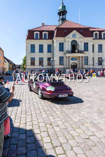 Automythos | 9. Hamburg Berlin Klassik 2016 | 176 | Helga Ohlhäuser & Fabian Mechtl | Porsche 911 Carrera 2 Cabriolet