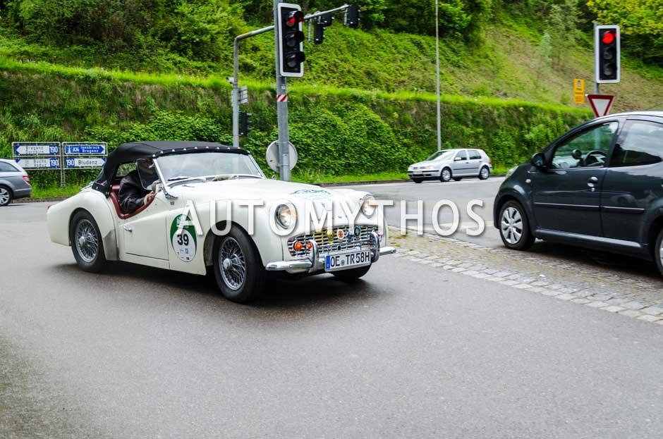 Automythos | 6. Bodensee Klassik 2017 | 39 | Andreas Rosenthal & Katharina Becker | Triumph TR3A