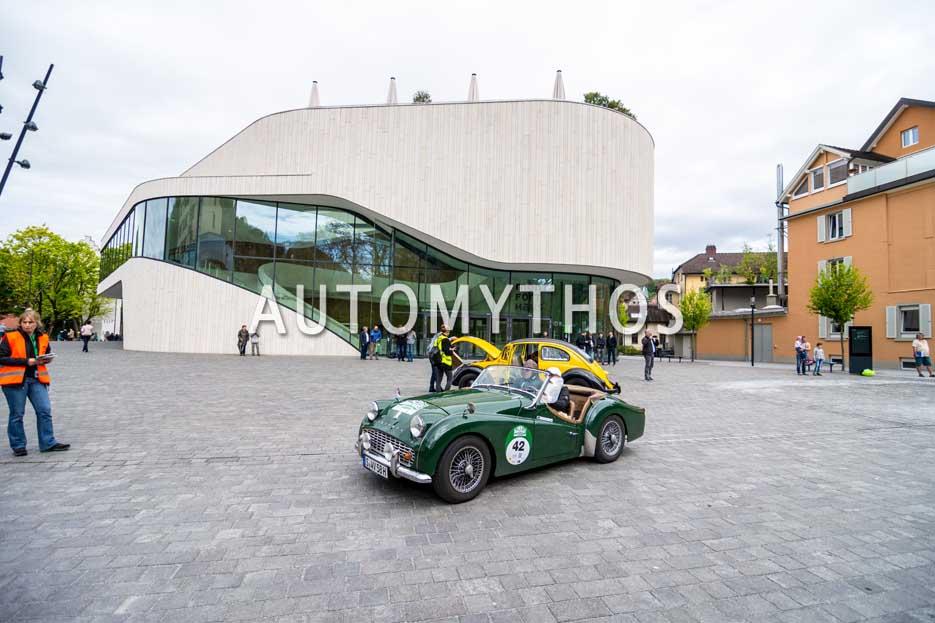 Automythos | 6. Bodensee Klassik 2017 | 42 | Vera Lange-Glatthaar & Prof. Dr. Wolfgang Glatthaar | Triumph TR3A