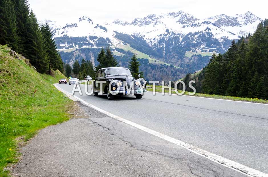 Automythos | 6. Bodensee Klassik 2017 | 44 | Matthias Menn & Stefanie Althaus-Menn | BMW 502 V8 Super