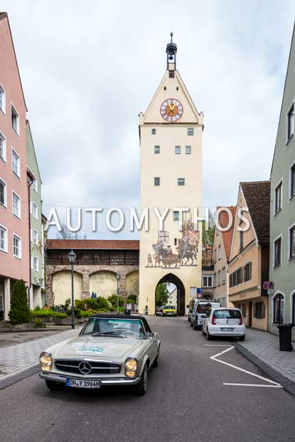 Automythos | 6. Bodensee Klassik 2017 | 62 | Hans-Dieter Seybold & Elfriede Seybold | Mercedes-Benz 230 SL