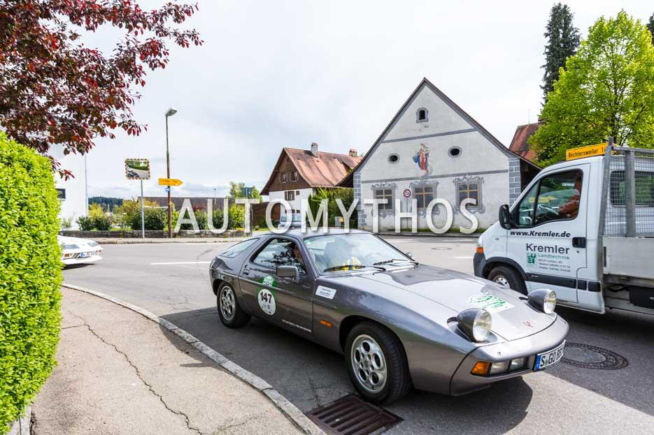 Automythos | 6. Bodensee Klassik 2017 | 147 | Lina van de Mars & Frank B. Meyer | Porsche 928 S